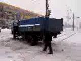 прикол с грузовиком